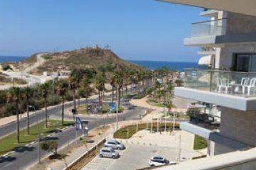 4 חדרים על חוף הים של ראשון לציון